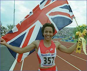 And she took her first major title with Commonwealth Gold in Canada in 1994 in 1993 but the result the same. After leaving the army Kelly picked up the AAA and UK titles at 800m.
