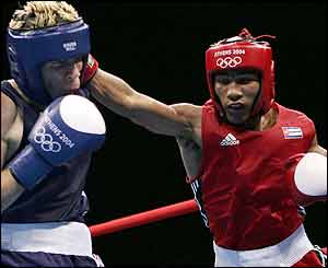 http://news.bbc.co.uk/media/images/40012000/jpg/_40012072_boxing.jpg