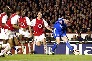 Wayne Bridge scores the winning goal as Chelsea beat Arsenal 2-1