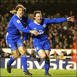 Wayne Bridge celebrates after scoring the winning goal as Chelsea beat Arsenal