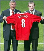 Wayne Rooney signs for Man Utd