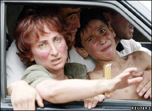 Hostages leaving by car