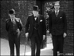Winston Churchill (c), Air Minister Sir Kingsley Wood (l) and Foreign Secretary Anthony Eden (r)