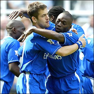 Joe Cole celebrates after opening the scoring for Chelsea