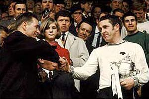 Brian Clough and Derby captain Dave Mackay