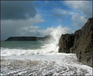 Pwll Ddu Head from Caswell on a bright but rough day (Jim Young, Swansea)