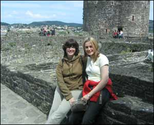 Tanya Downes and her sister Holly at Conwy Castle before Tanya left to go and live in Australia