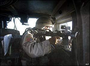 US soldier returns fire during ambush on his Humvee jeep