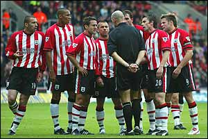 Southampton players appeal to the referee