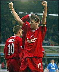 Steve Gerrard celebrates his late goal for Liverpool
