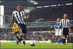 Jermaine Jenas scores for Newcastle