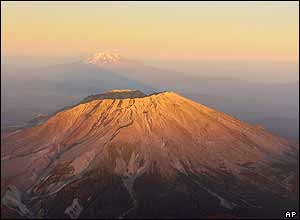 Mount St Helens volcano (foreground), with Mount Adams in the distance