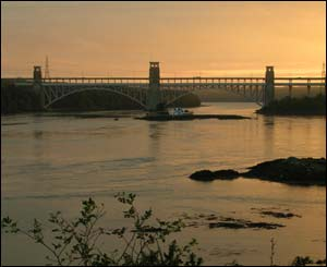 The Britannia bridge from the Anglesey side at sunset (Ian Yule, from Anglesey)
