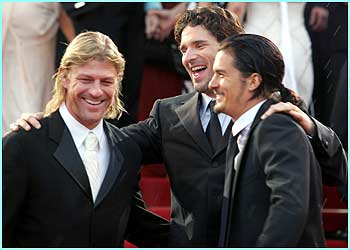 And here's our favourite elf having a laugh with his old mate Sean Bean who played Boromir in the Lord of the Rings
