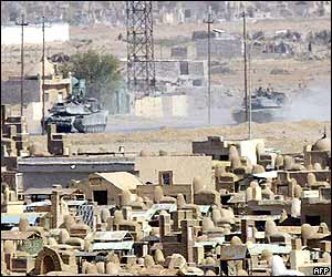 US tanks enter the centre of Najaf