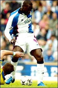 Andy Cole scores for Blackburn