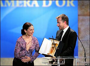 British actor Tim Roth awards Israeli director Keren Yedeya the Camera d'Or prize