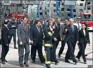 Dominique de Villepin at the site of the collapse
