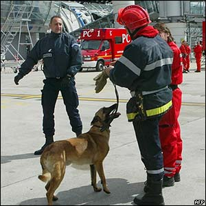 Rescue workers at Charles de Gaulle