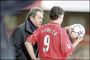 Liverpool boss Gerard Houllier issues instructions to Robbie Fowler