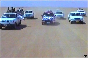 Scene from Iraq wedding video - the bride's convoy