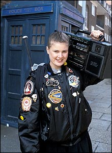 Collectormania GMex Mars 08 _40191553_sophie_aldred