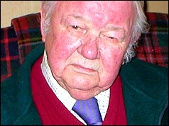 Fred Bromley in 2004, aged 82