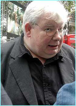 And Richard Griffiths gives us the Uncle Vernon eye...arghhh!