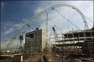 اسطورة الملاعب ويمبلى Wembley Stadium _40301343_arch_pa