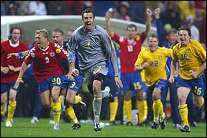 Henrik Larsson scored Sweden's first