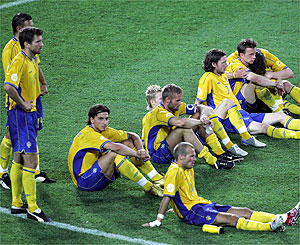 Sweden's players look dejected