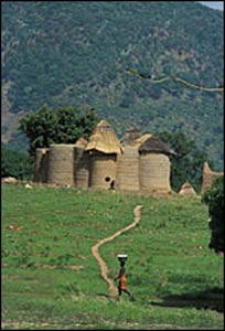 The mud tower-houses of Koutammakou in north-eastern Togo (courtesy of Unesco/Icomos)