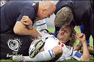 Pavel Nedved picks up an injury