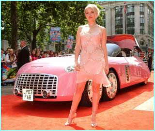 It's Sophia Myles, who plays Lady Penelope. F-A-B!