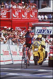 Lance celebrates winning the 18th stage of the Tour de France in Limoges