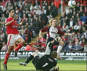 Boudewijn Zenden scores for Middlesbrough