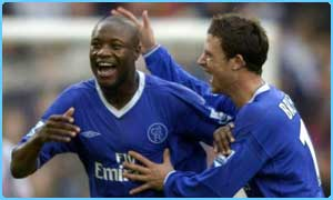 Chelsea's William Gallas (left) celebrates with Wayne Bridge