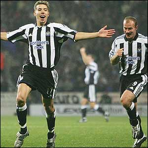 Darren Ambrose scores for Newcastle