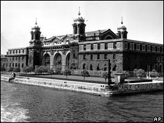 BBC ON THIS DAY | 12 | 1954: New York's Ellis Island closes