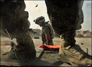 US marines in preparation on the outskirts of Falluja, Iraq