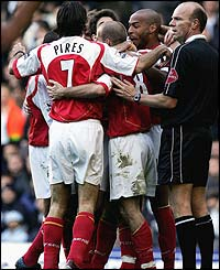 Arsenal's Fredrik Ljungberg celebrates his goal