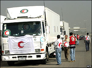 Iraqi Red Crescent aid convoy bound for Falluja