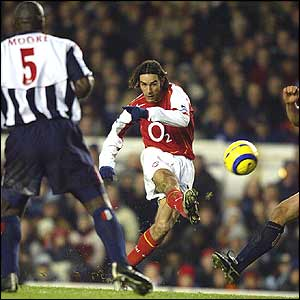 Pires watches his shot go in
