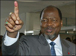 President Chissano after casting his vote.