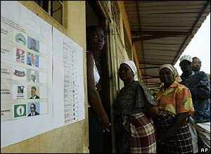 Voters at a school in the capital, Maputo.