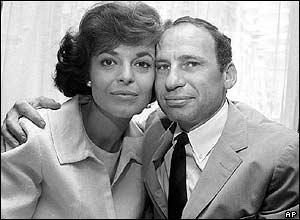 Newlyweds Anne Bancroft and Mel Brooks in New York. Picture: August 1964