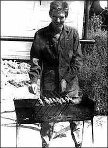 'Sidorenko roasting kebabs' - he was later killed (photo courtesy of afghanwar.spb.ru)