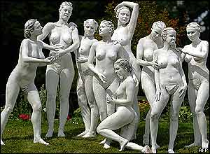 Nude models at Charlottenburg castle in Berlin