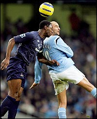 Tottenham's Ledley King and Manchester City's Sibierski