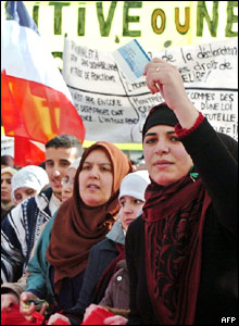 Muslim women protest in Paris